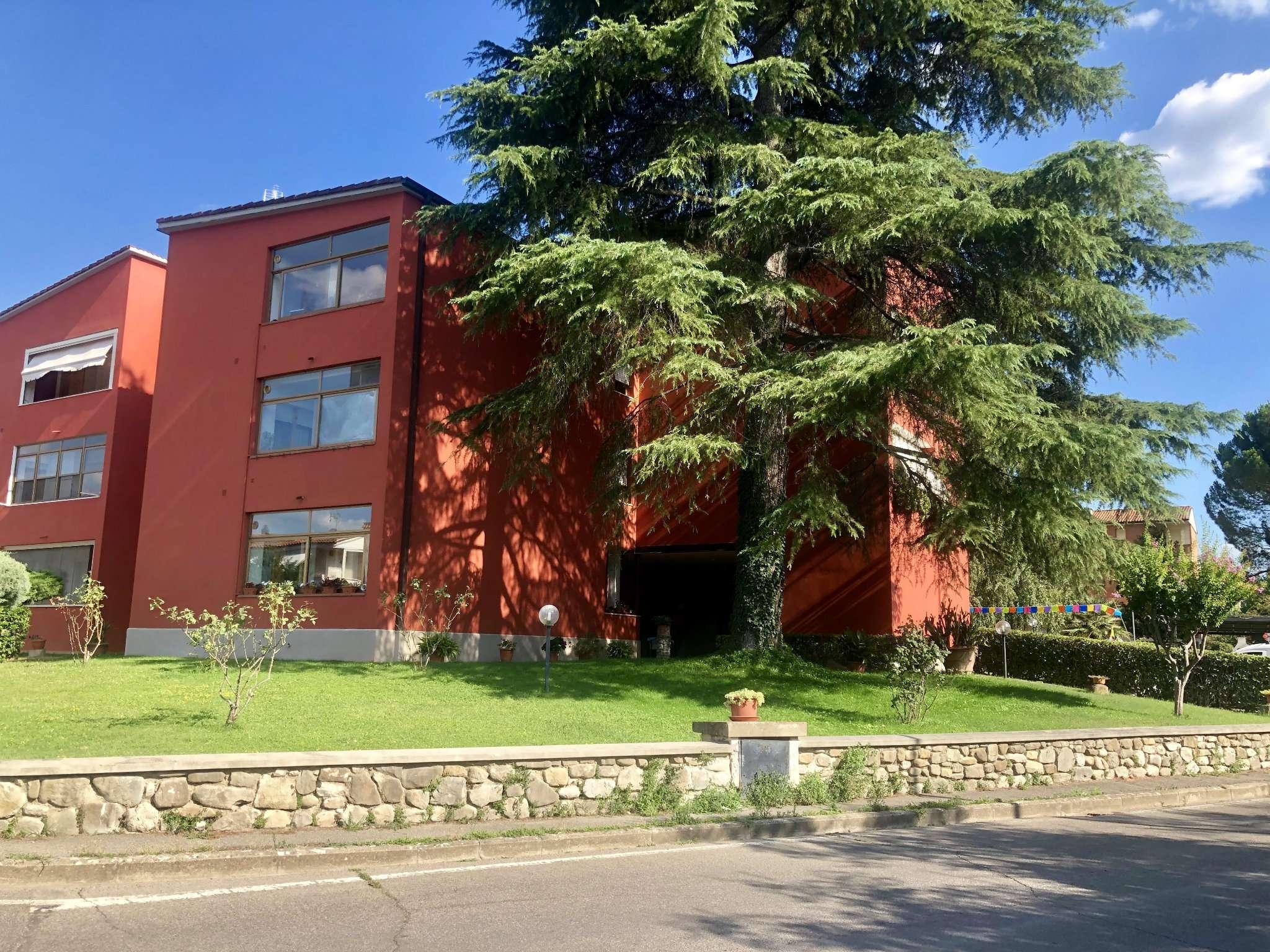 Appartamento in Affitto a Fiesole Periferia: 4 locali, 80 mq