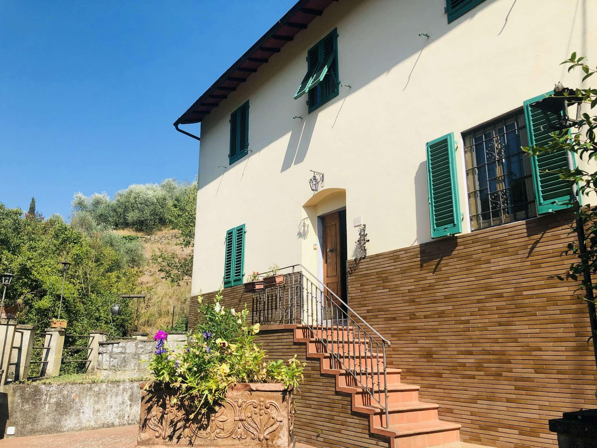 Villa in Vendita a Fiesole Periferia: 5 locali, 110 mq