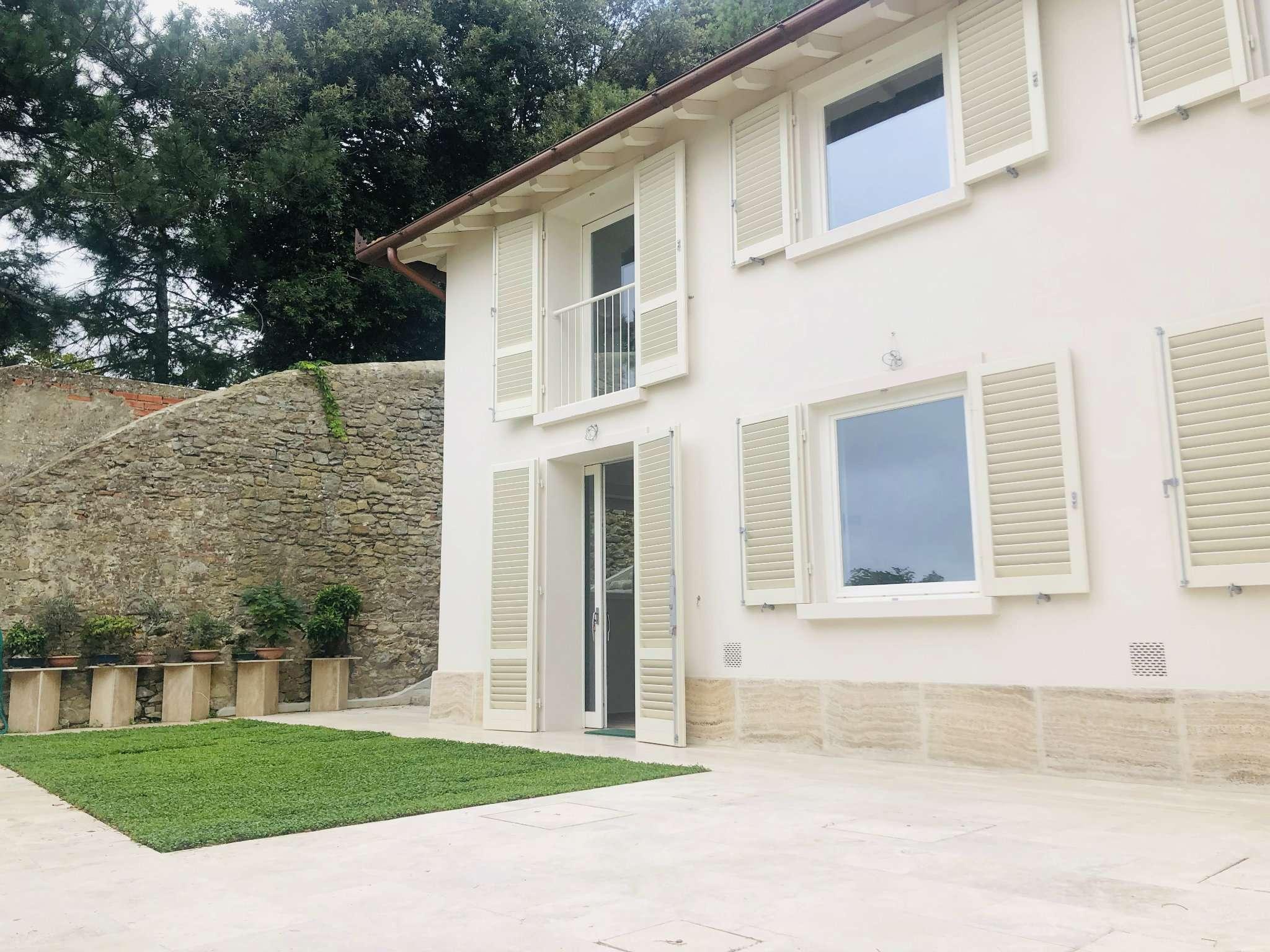 Casa indipendente in Vendita a Fiesole Centro: 4 locali, 123 mq