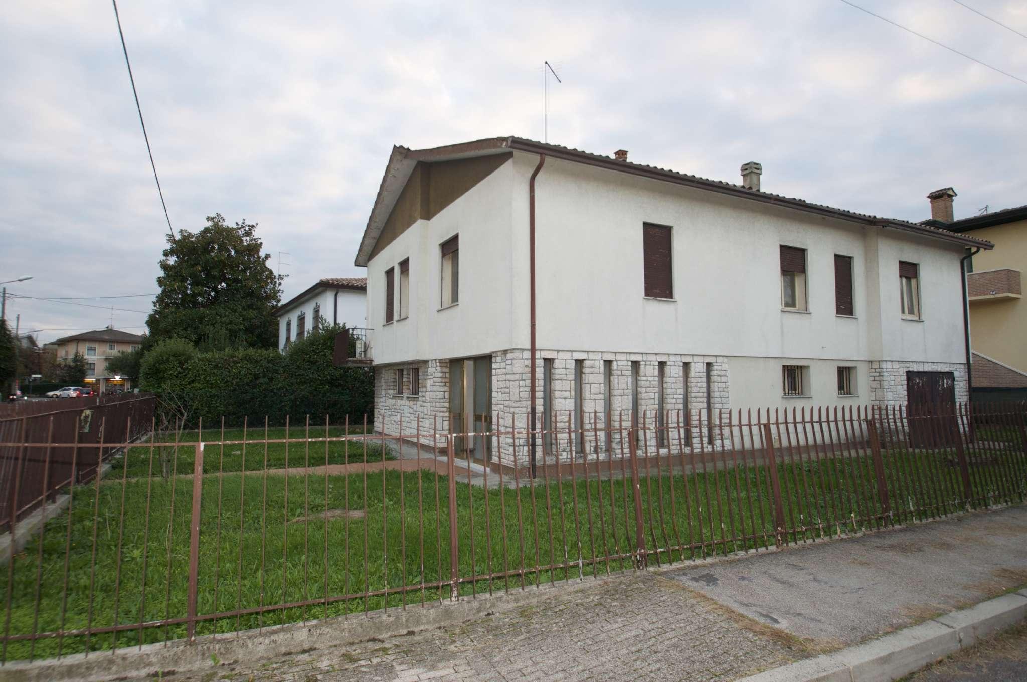 Soluzione Indipendente in vendita a Padova, 7 locali, zona Zona: 5 . Sud-Ovest (Armistizio-Savonarola), prezzo € 240.000 | CambioCasa.it