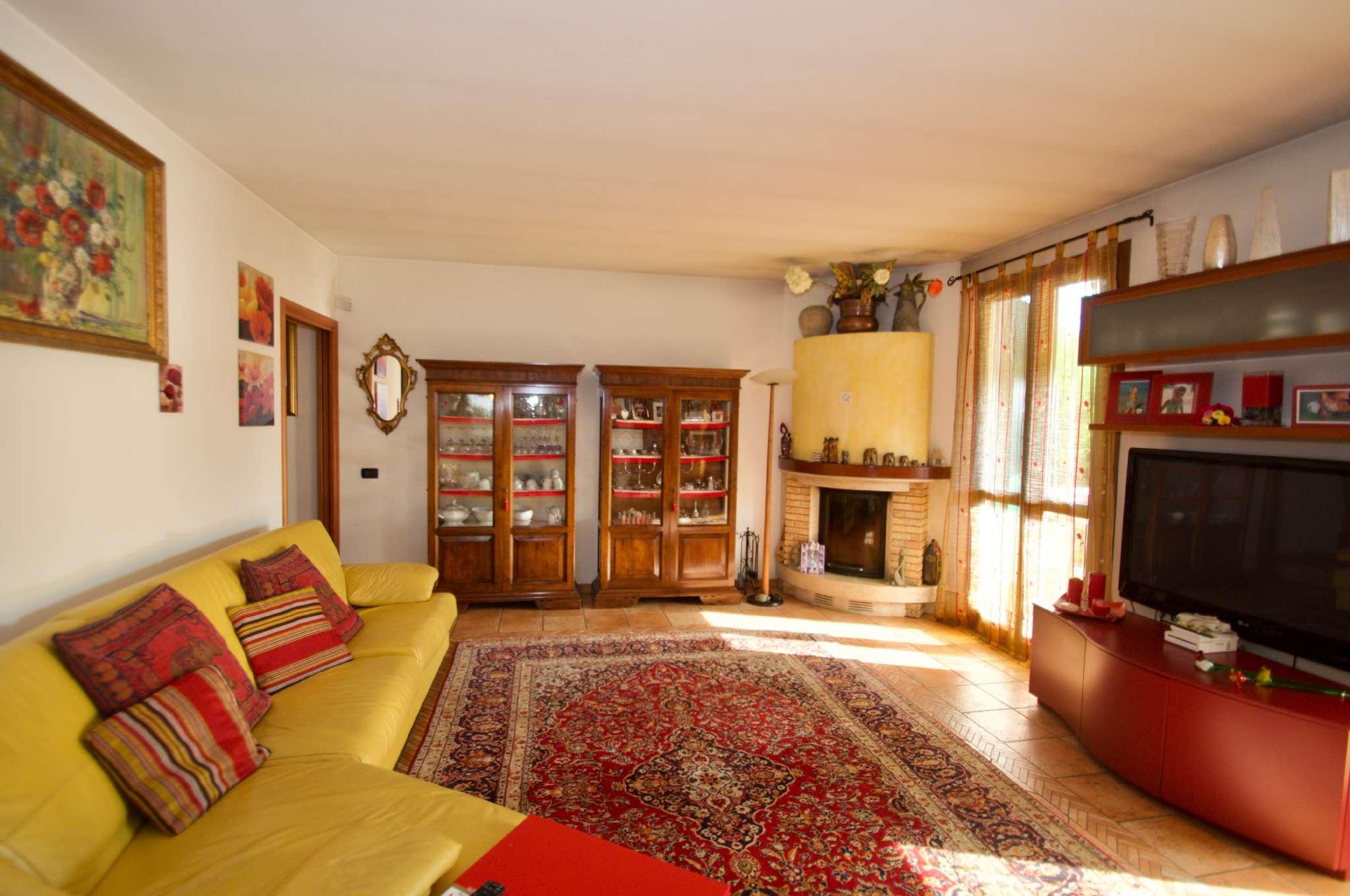 Villa Tri-Quadrifamiliare in Vendita a Albignasego