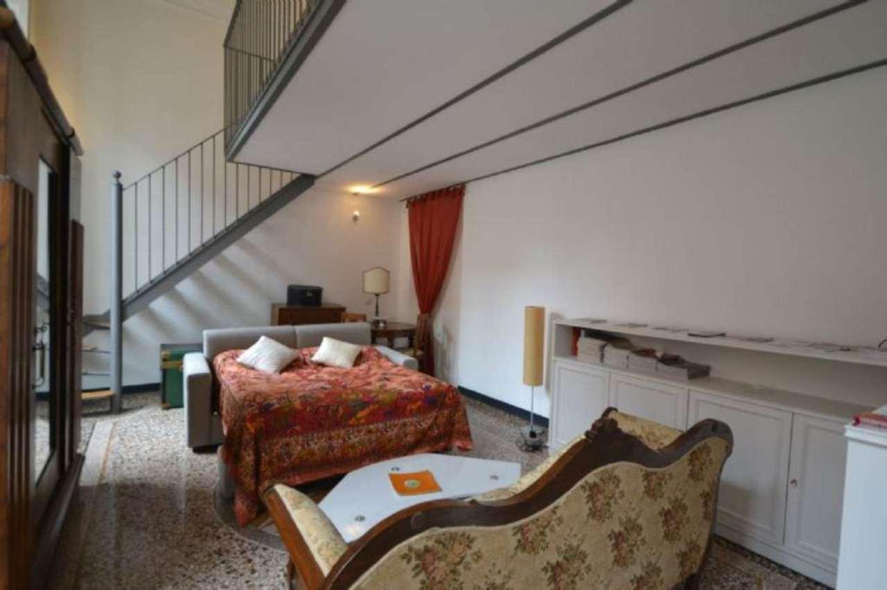 Bilocale Genova Via Delle Grazie 5