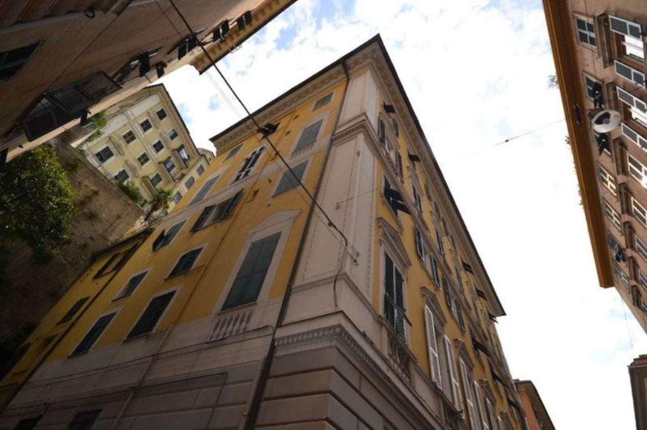 Bilocale Genova Via Caffaro 12