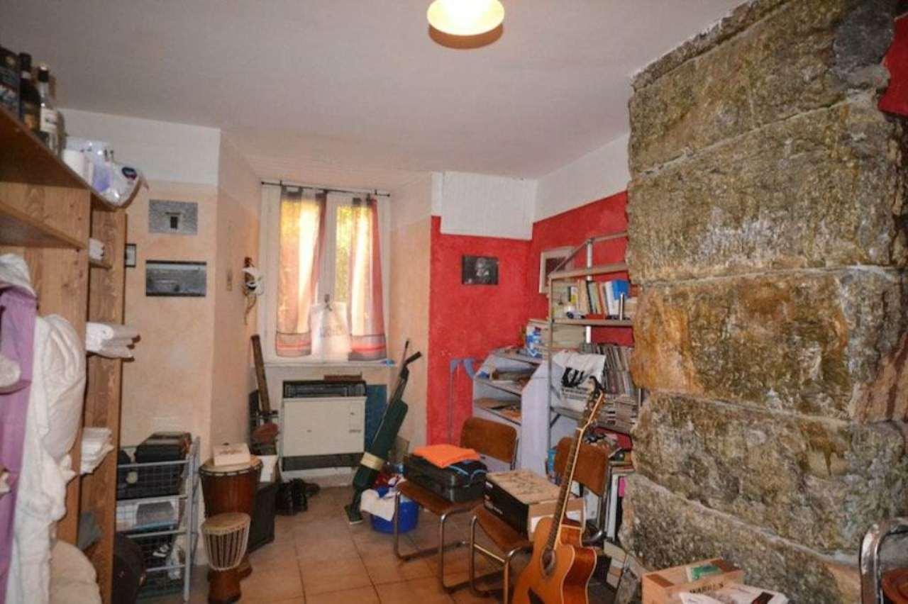 Bilocale Genova Salita Santa Brigida 10