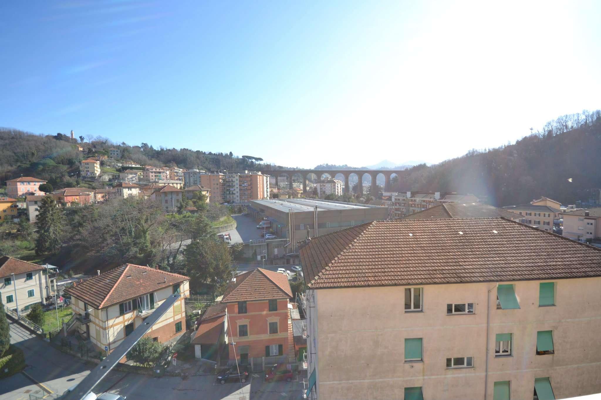 Appartamento in affitto a Campomorone, 6 locali, prezzo € 400 | Cambio Casa.it