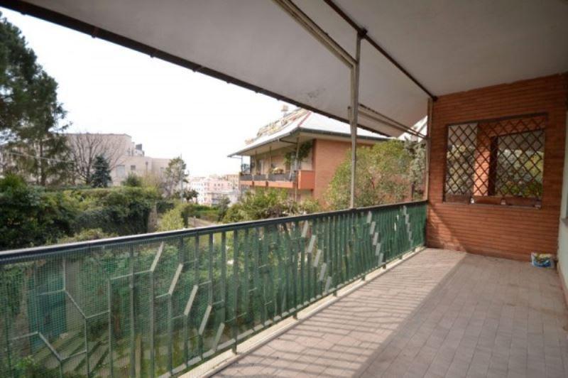 5 locali in affitto a Genova in Via Edoardo Jenner