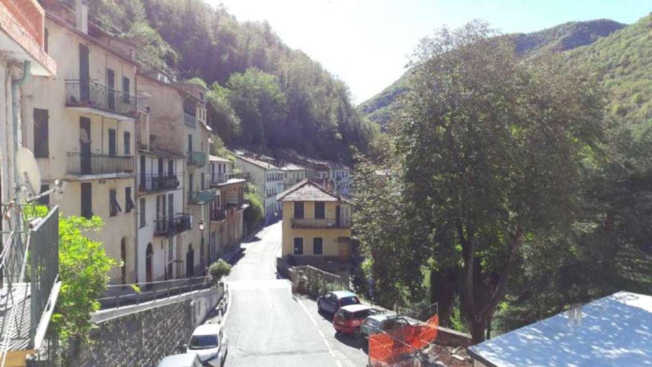 Appartamento in vendita a Molini di Triora, 4 locali, prezzo € 88.000 | Cambio Casa.it