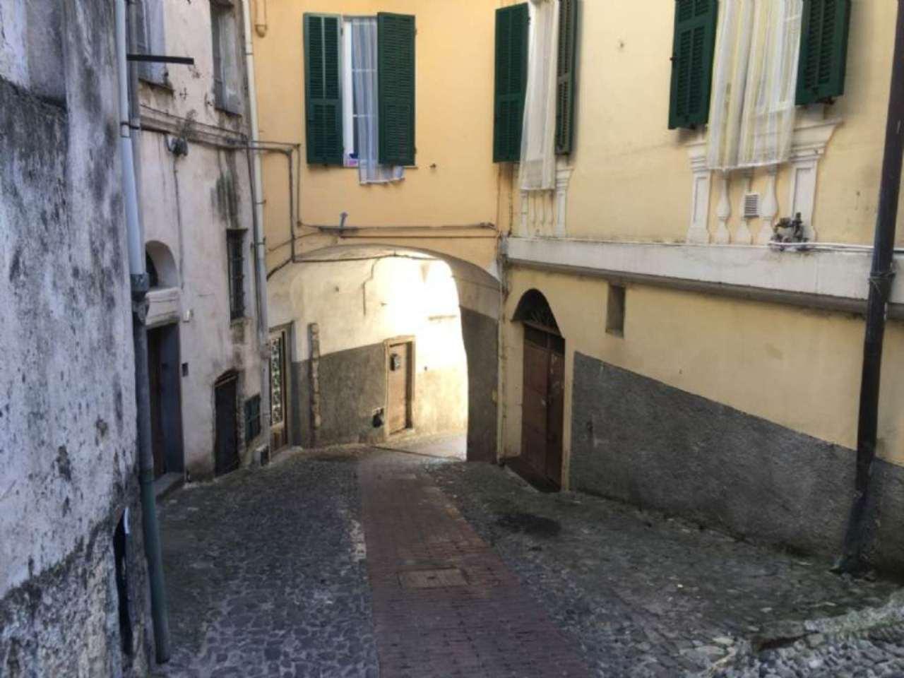 Appartamento in vendita a Ceriana, 3 locali, prezzo € 50.000   CambioCasa.it