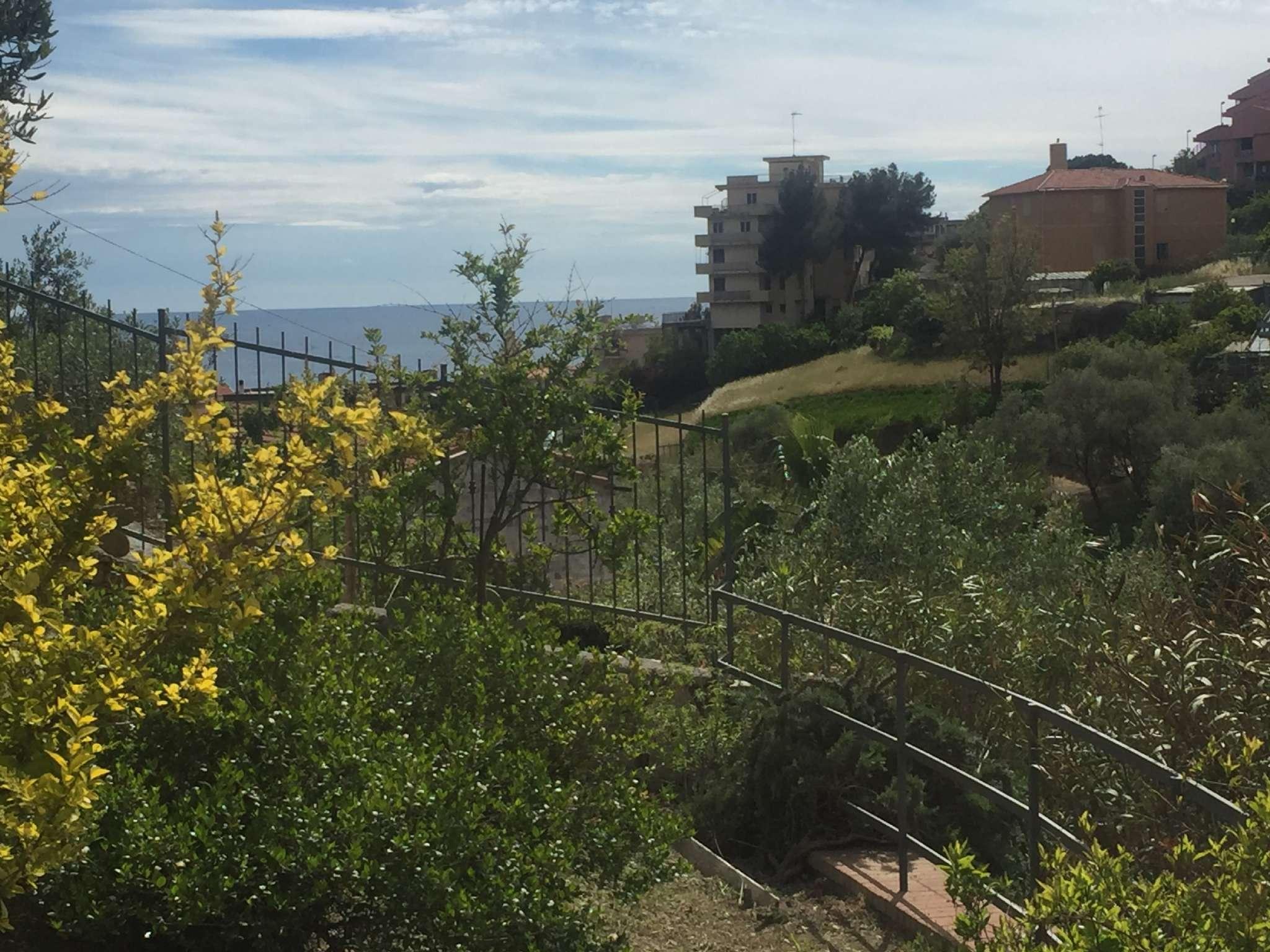 Villa in vendita a Santo Stefano al Mare, 4 locali, prezzo € 570.000 | CambioCasa.it