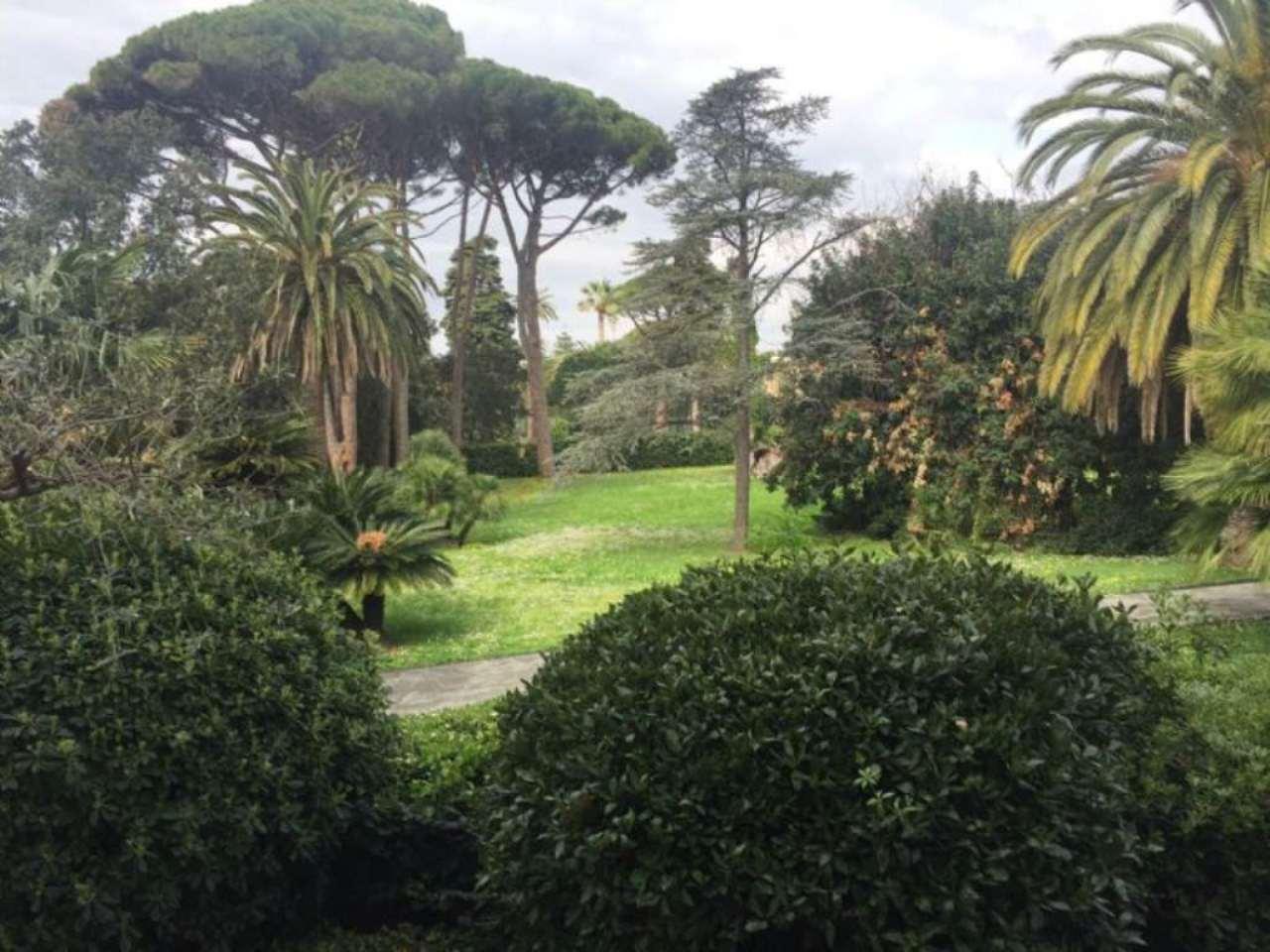 Bilocale Genova Viale Delle Palme 5