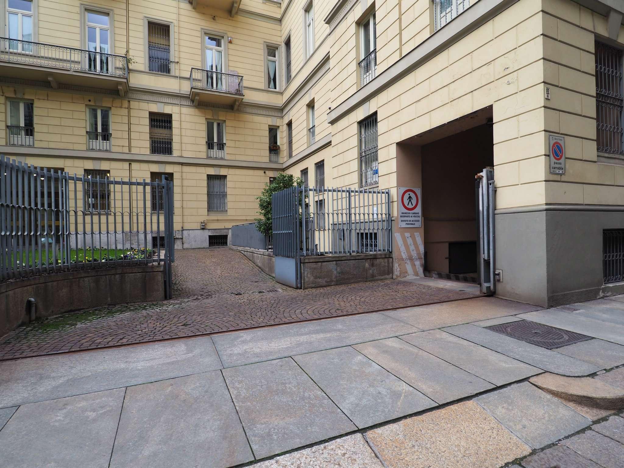 Foto 1 di Box / Garage via san francesco d'assisi 32 A, Torino (zona Centro)
