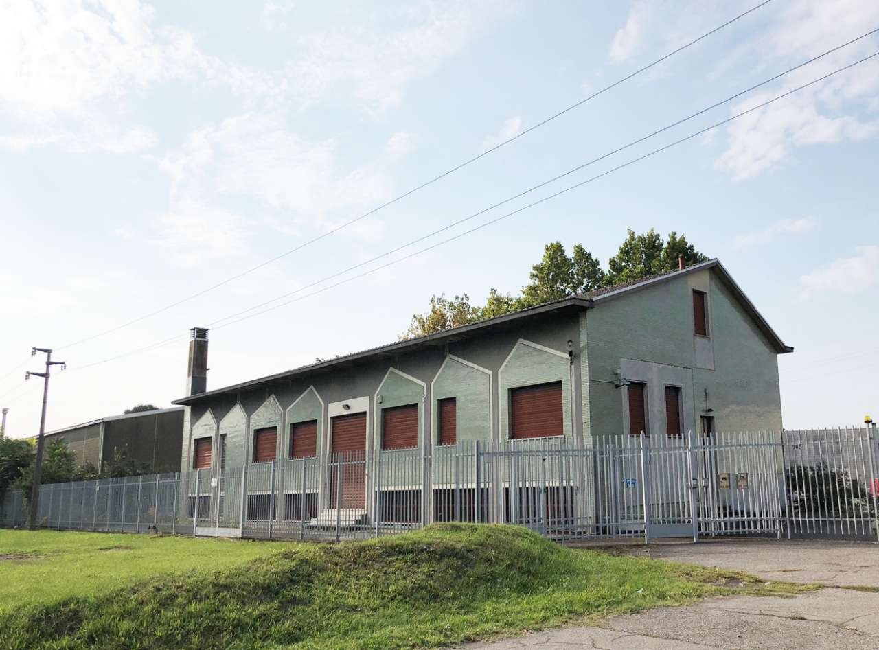 Ufficio-studio in Affitto a Caronno Pertusella Periferia: 5 locali, 400 mq