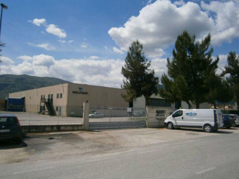 Capannone in vendita a Raiano, 10 locali, prezzo € 1.150.000 | Cambio Casa.it