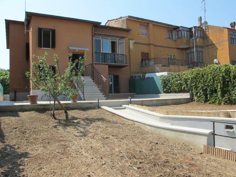 Appartamento in vendita a Mentana, 4 locali, prezzo € 160.000 | Cambiocasa.it