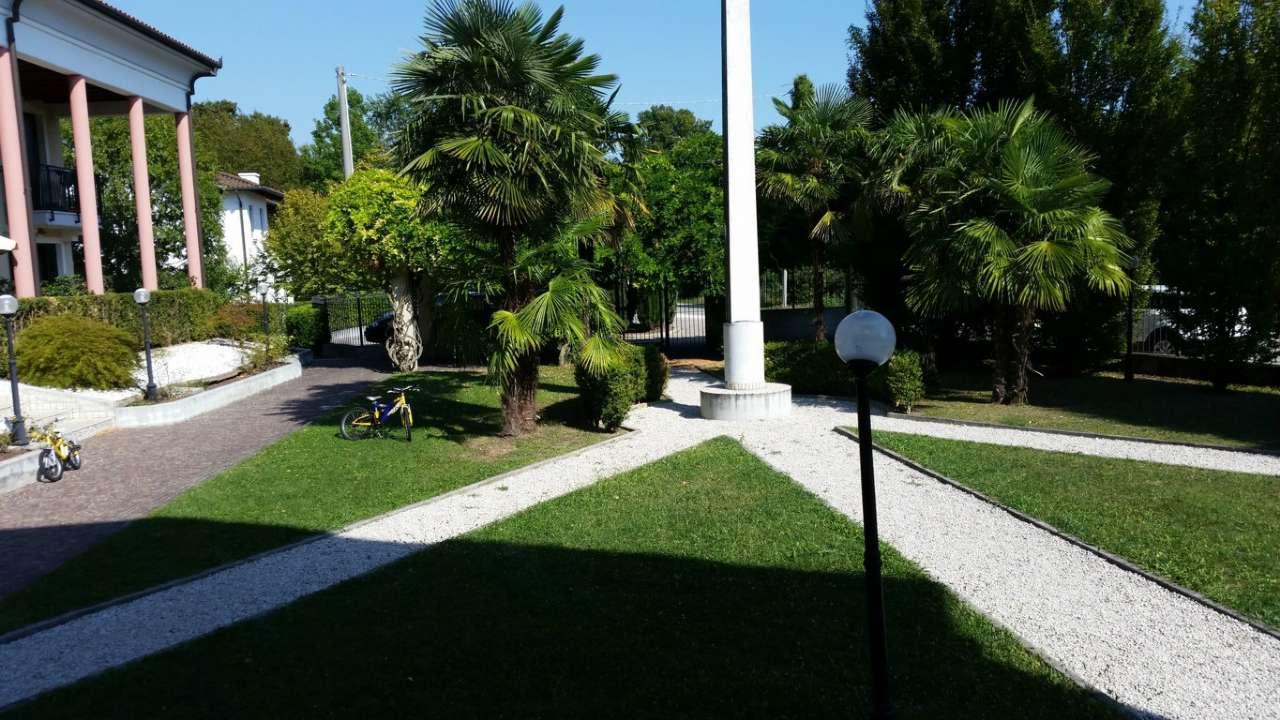 Bilocale Mira Piazza Nove Martiri 8