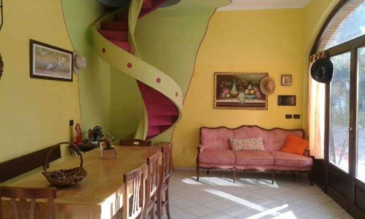 Rustico / Casale in vendita a Tigliole, 10 locali, prezzo € 210.000   Cambio Casa.it