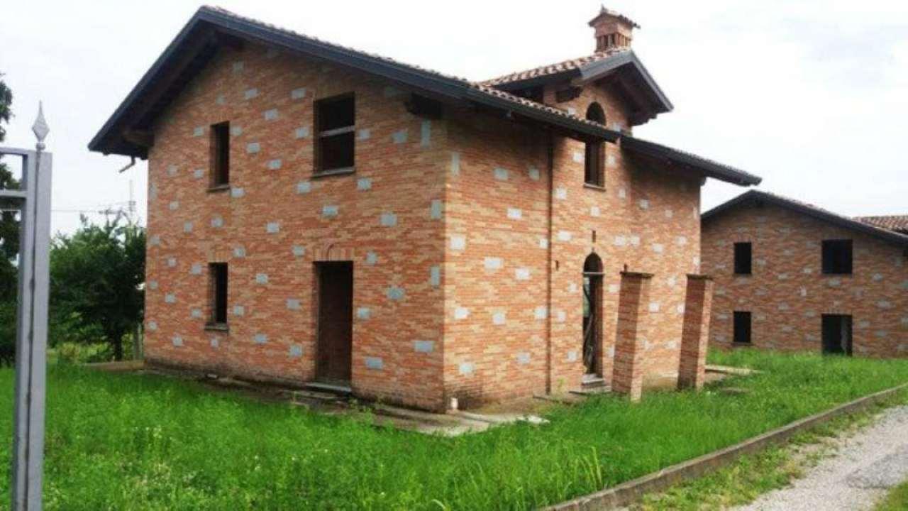 Villa in vendita a Castelletto Merli, 8 locali, prezzo € 165.000 | Cambio Casa.it
