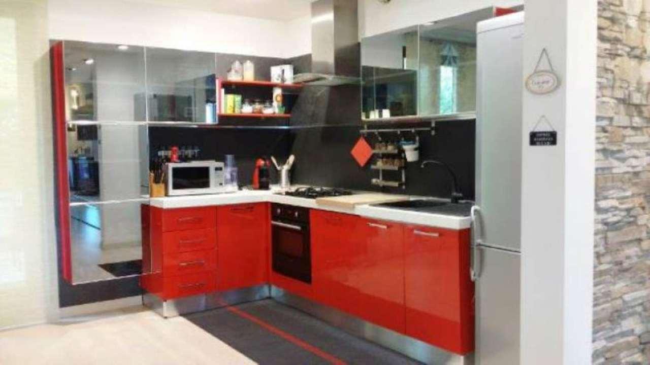 Villa in vendita a Baldichieri d'Asti, 8 locali, prezzo € 270.000 | Cambio Casa.it
