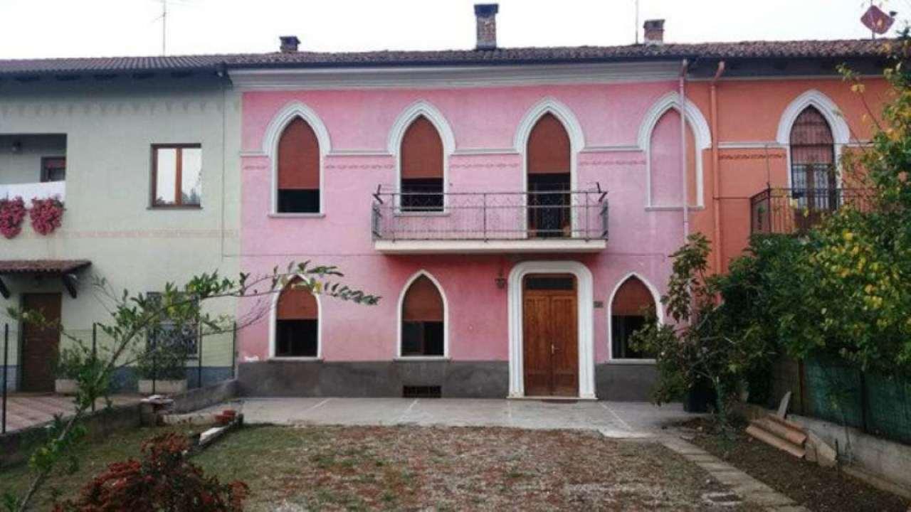 Soluzione Indipendente in vendita a Asti, 6 locali, prezzo € 140.000 | Cambio Casa.it