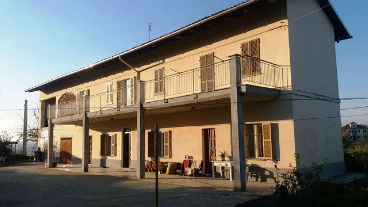 Rustico / Casale in vendita a Asti, 10 locali, prezzo € 290.000 | Cambio Casa.it