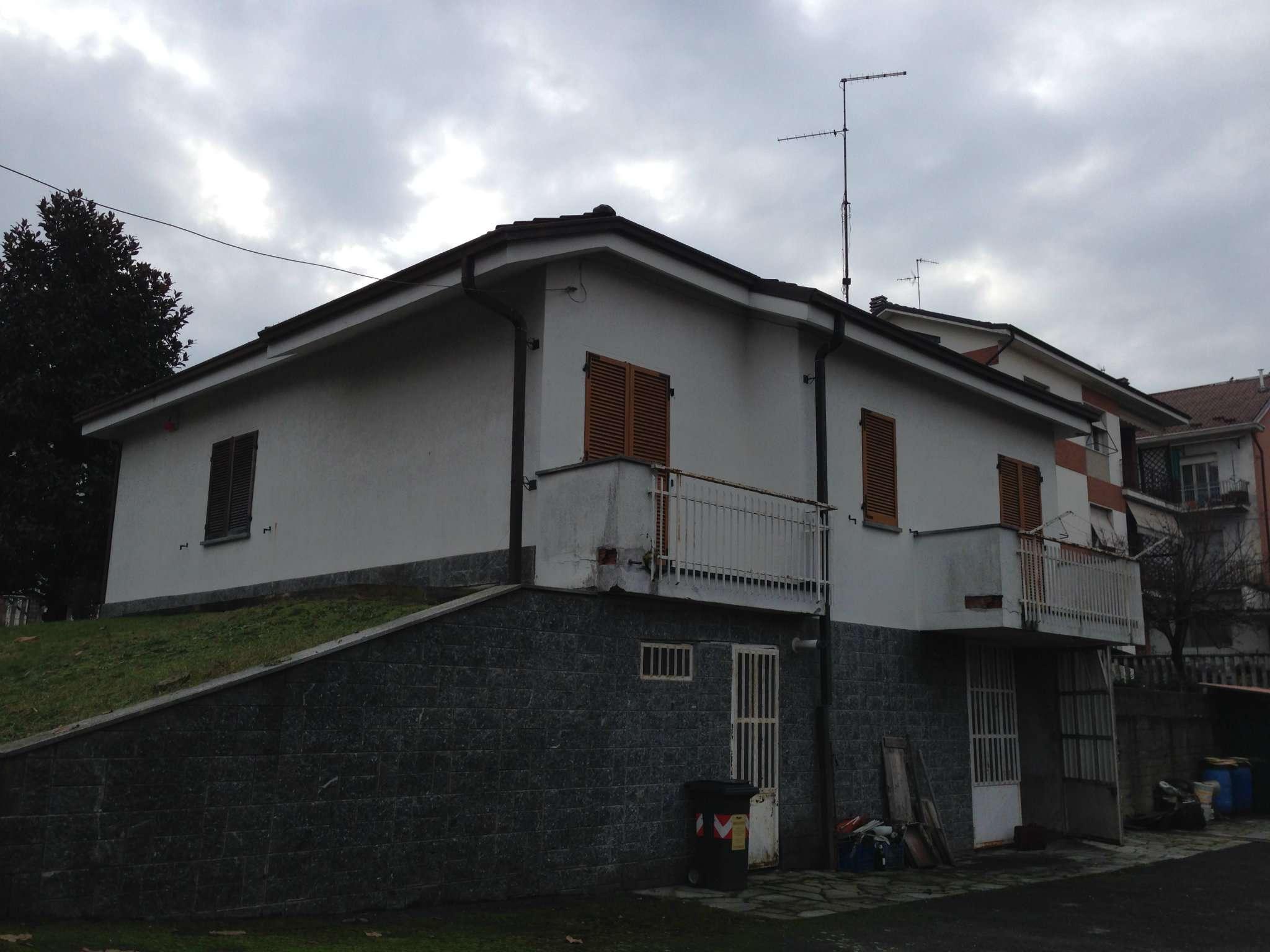 Villa in vendita a Asti, 5 locali, prezzo € 330.000 | Cambio Casa.it