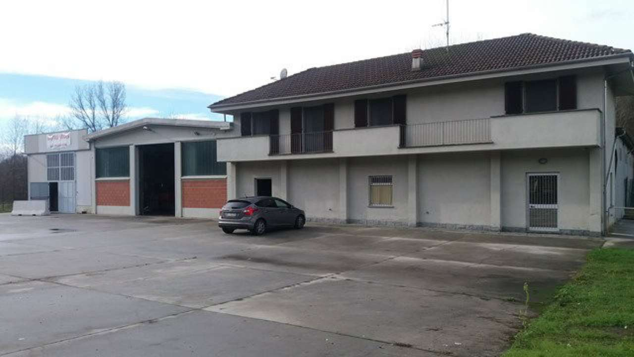 Capannone in vendita a Portacomaro, 10 locali, prezzo € 495.000 | Cambio Casa.it