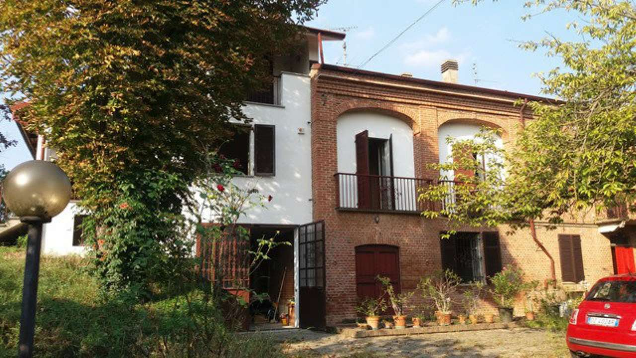 Soluzione Indipendente in vendita a Tonco, 7 locali, prezzo € 150.000 | Cambio Casa.it