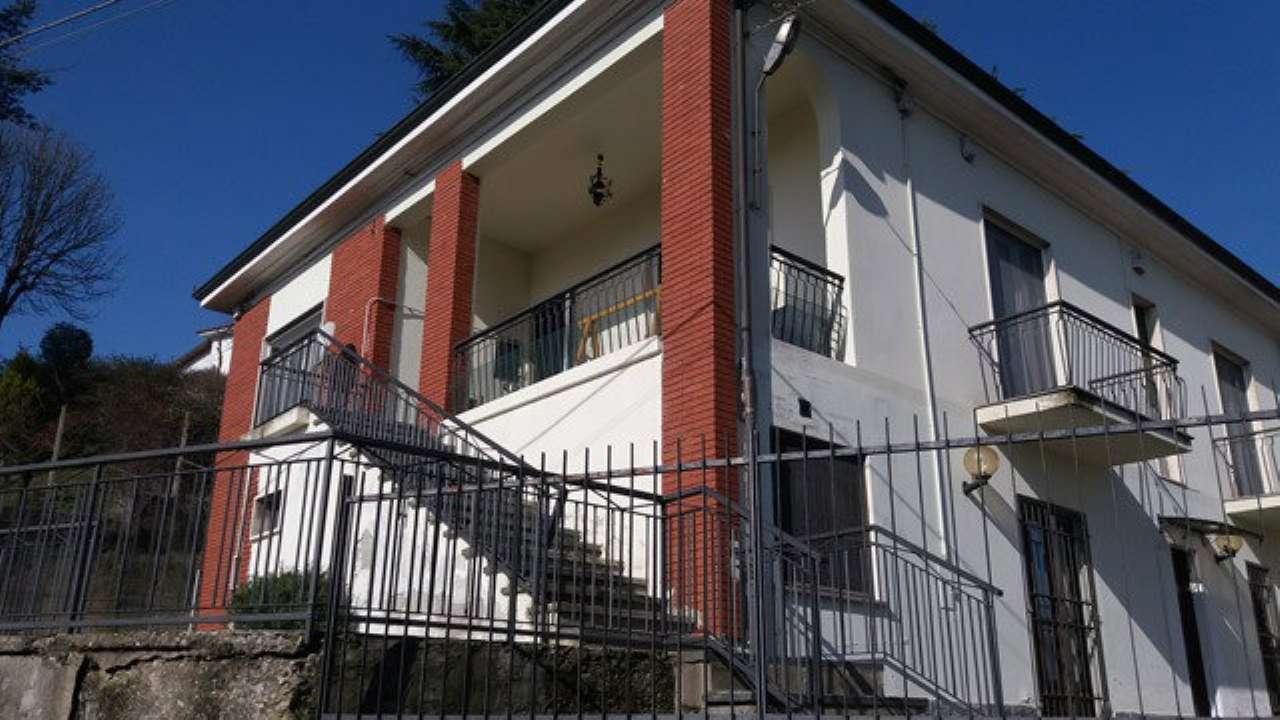 Appartamento in vendita a Castello di Annone, 6 locali, prezzo € 83.000 | Cambio Casa.it