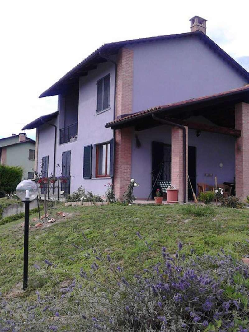 Villa in vendita a Montechiaro d'Asti, 9 locali, prezzo € 249.000 | Cambio Casa.it