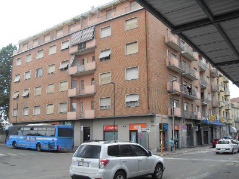 Bilocale Asti Piazza Medaglie D'oro 3