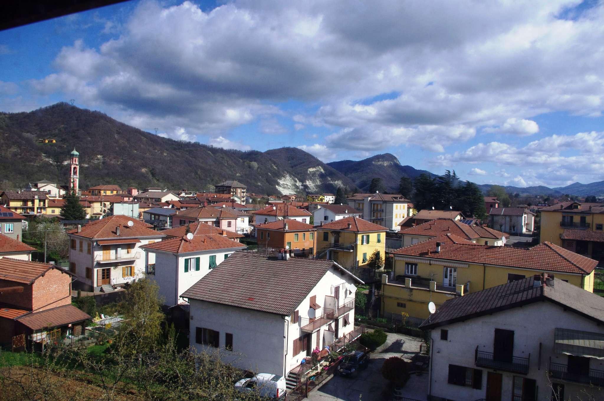 Appartamento in vendita a Vignole Borbera, 6 locali, prezzo € 109.000 | CambioCasa.it
