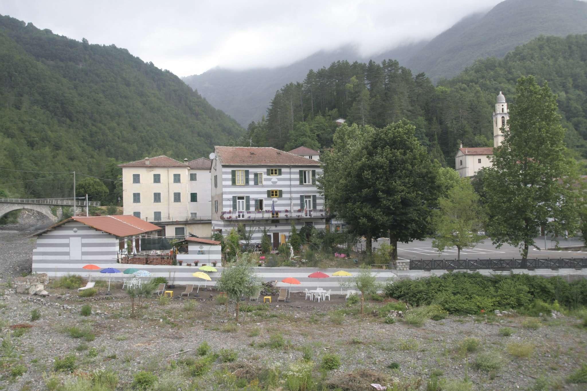 Soluzione Indipendente in vendita a Gorreto, 10 locali, prezzo € 268.000   CambioCasa.it
