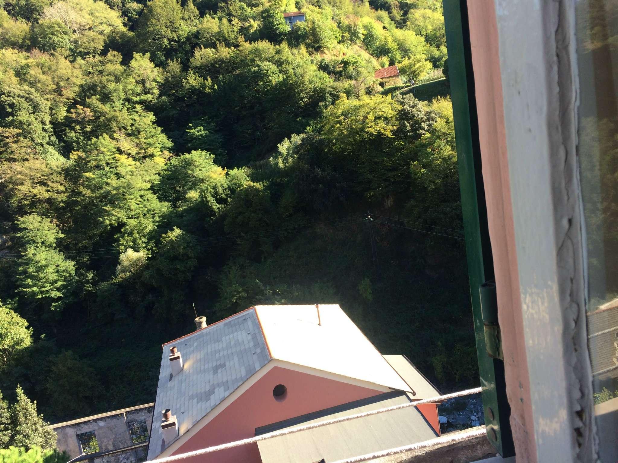 VOLTRI FIORINO   Via Costa Del Vento Vendesi Appartamento 75 Mq Da  Ristrutturare