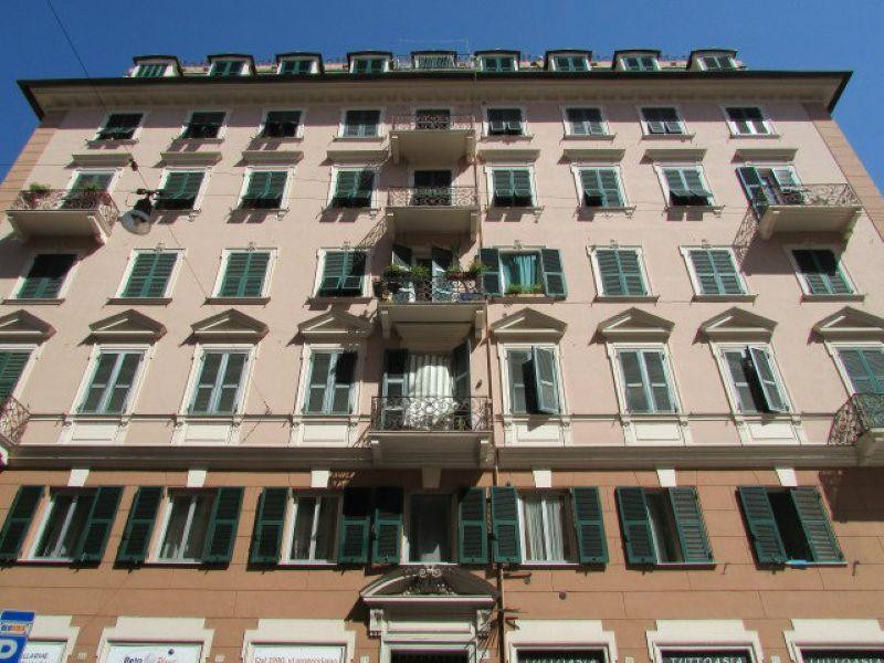 5 locali in vendita a Genova in Via Via Caffa