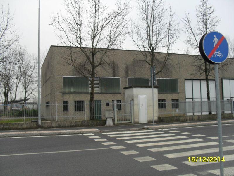 Capannone in affitto a Spino d'Adda, 4 locali, prezzo € 1.250   Cambio Casa.it