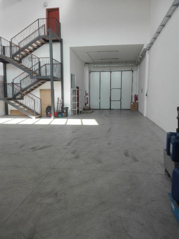 Capannone in affitto a Tribiano, 3 locali, prezzo € 1.850 | Cambio Casa.it