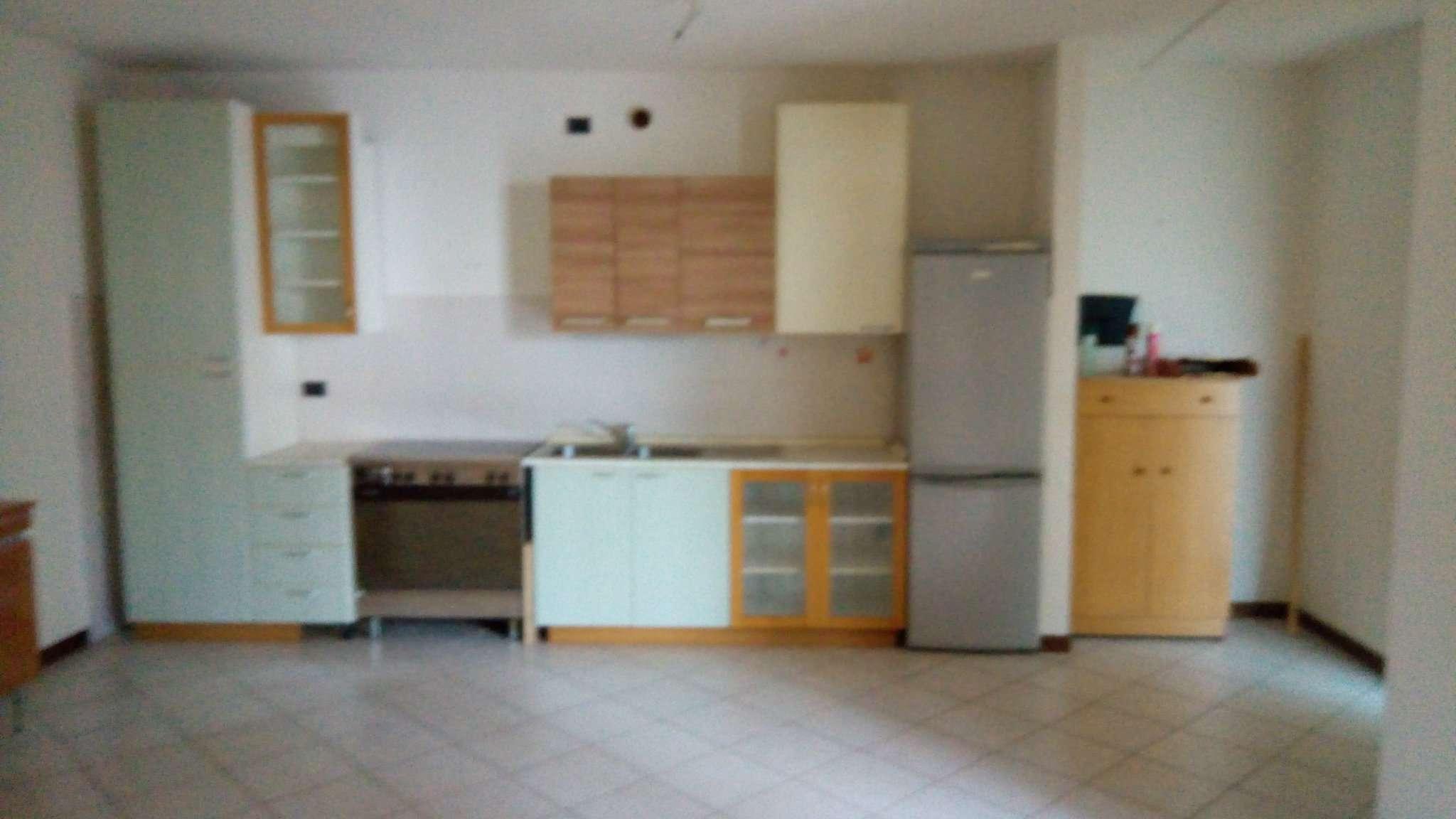 Appartamento in affitto a San Colombano al Lambro, 2 locali, prezzo € 400 | CambioCasa.it