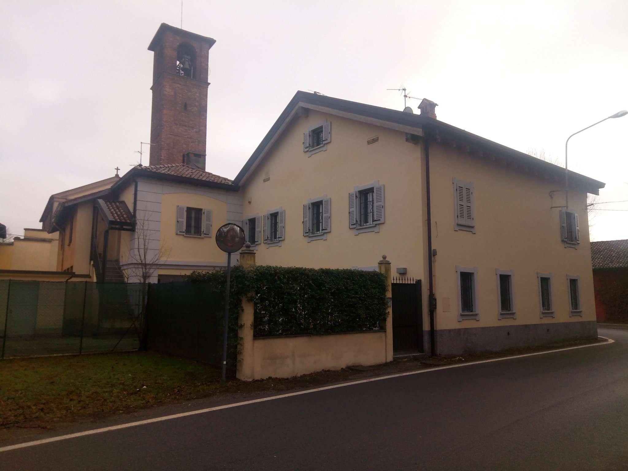 Soluzione Indipendente in affitto a Peschiera Borromeo, 6 locali, prezzo € 2.500 | CambioCasa.it