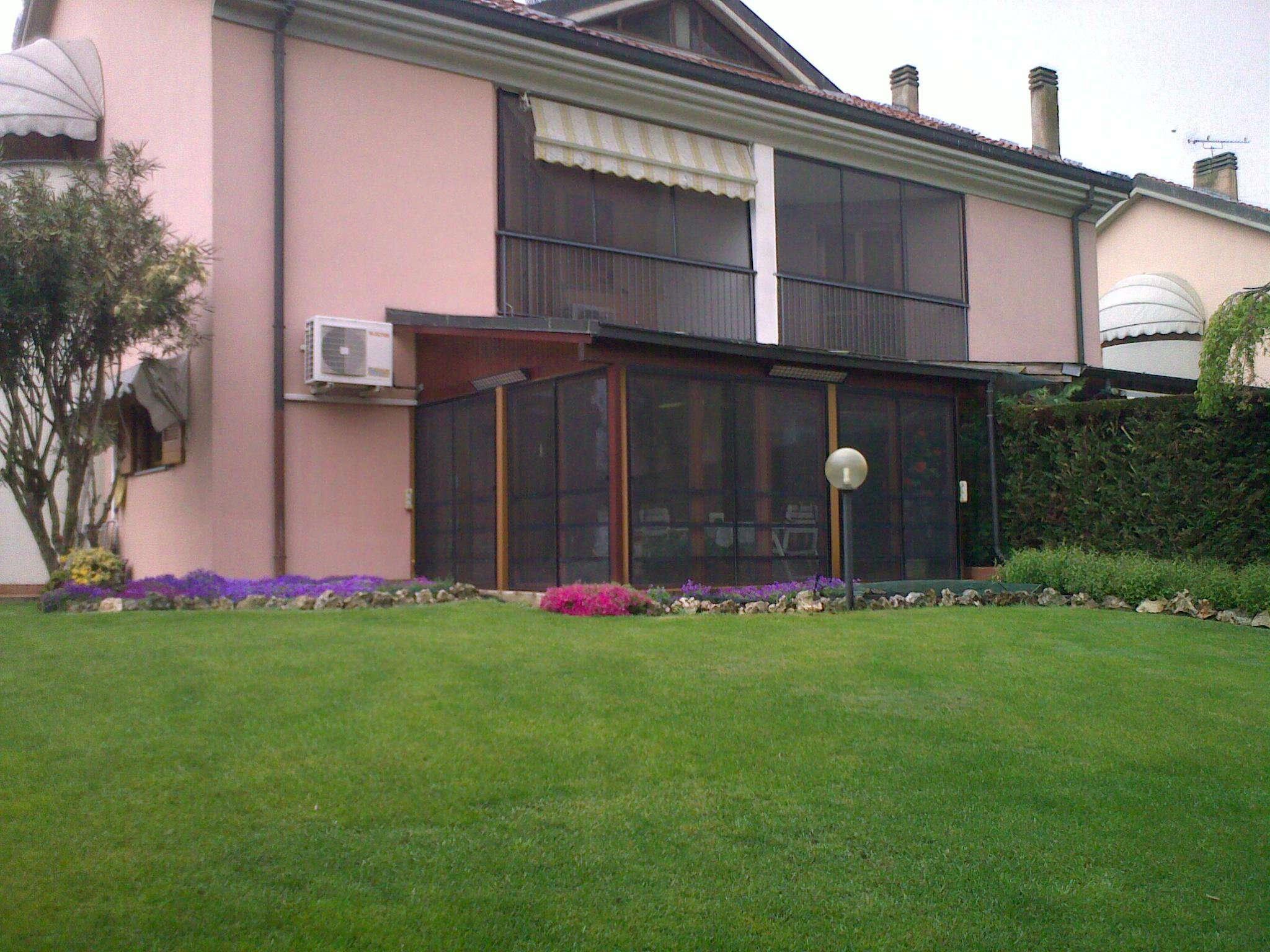 Villa Bifamiliare in Affitto a San Donato Milanese