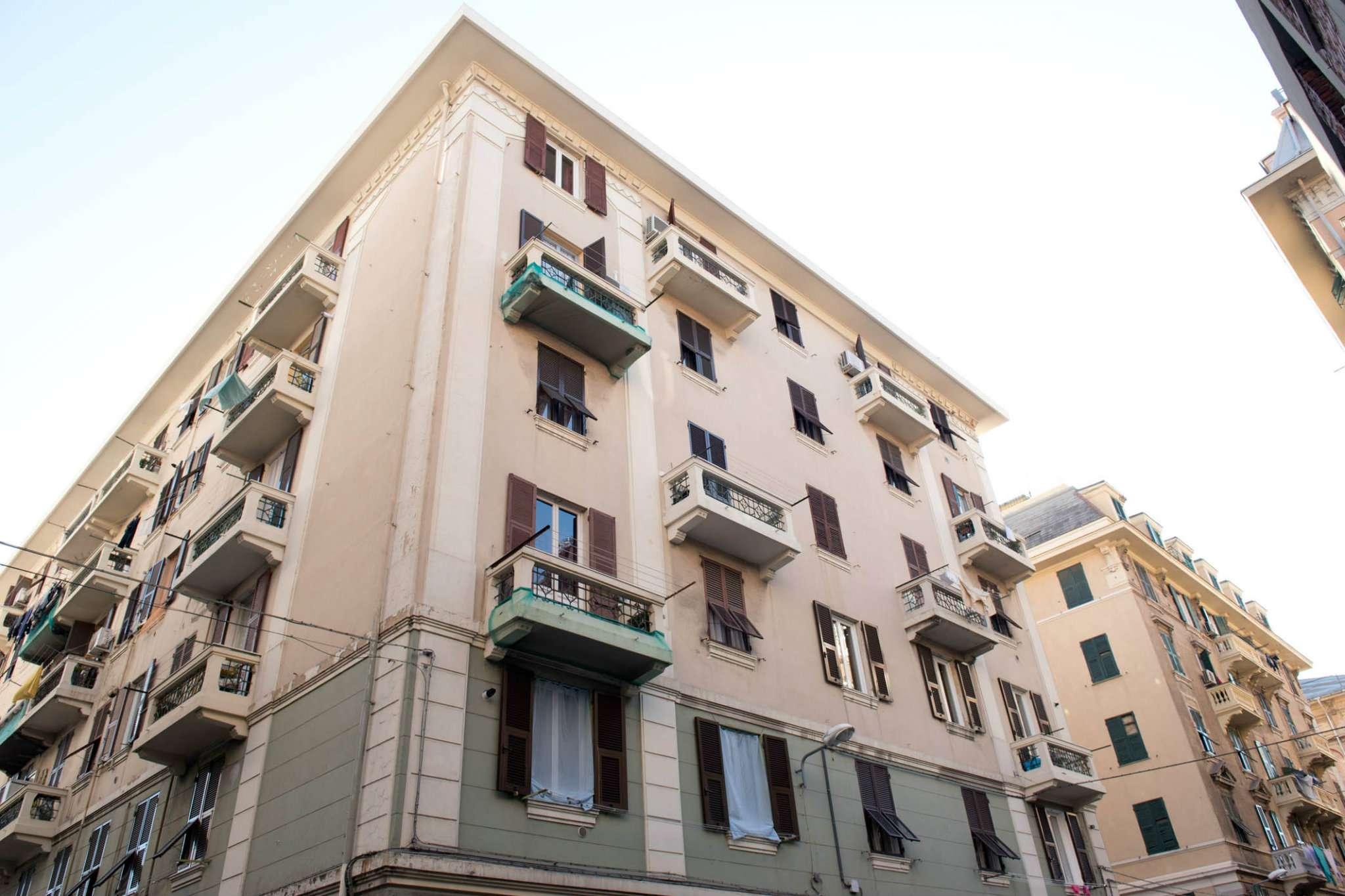 Foto 1 di Trilocale via Bellini, Genova (zona Cornigliano)
