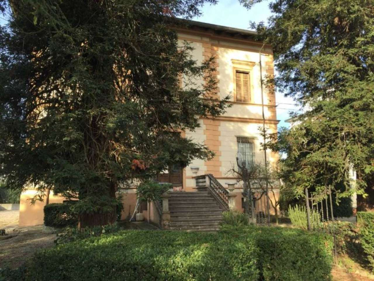 Villa in Vendita a Lugo Centro: 5 locali, 420 mq