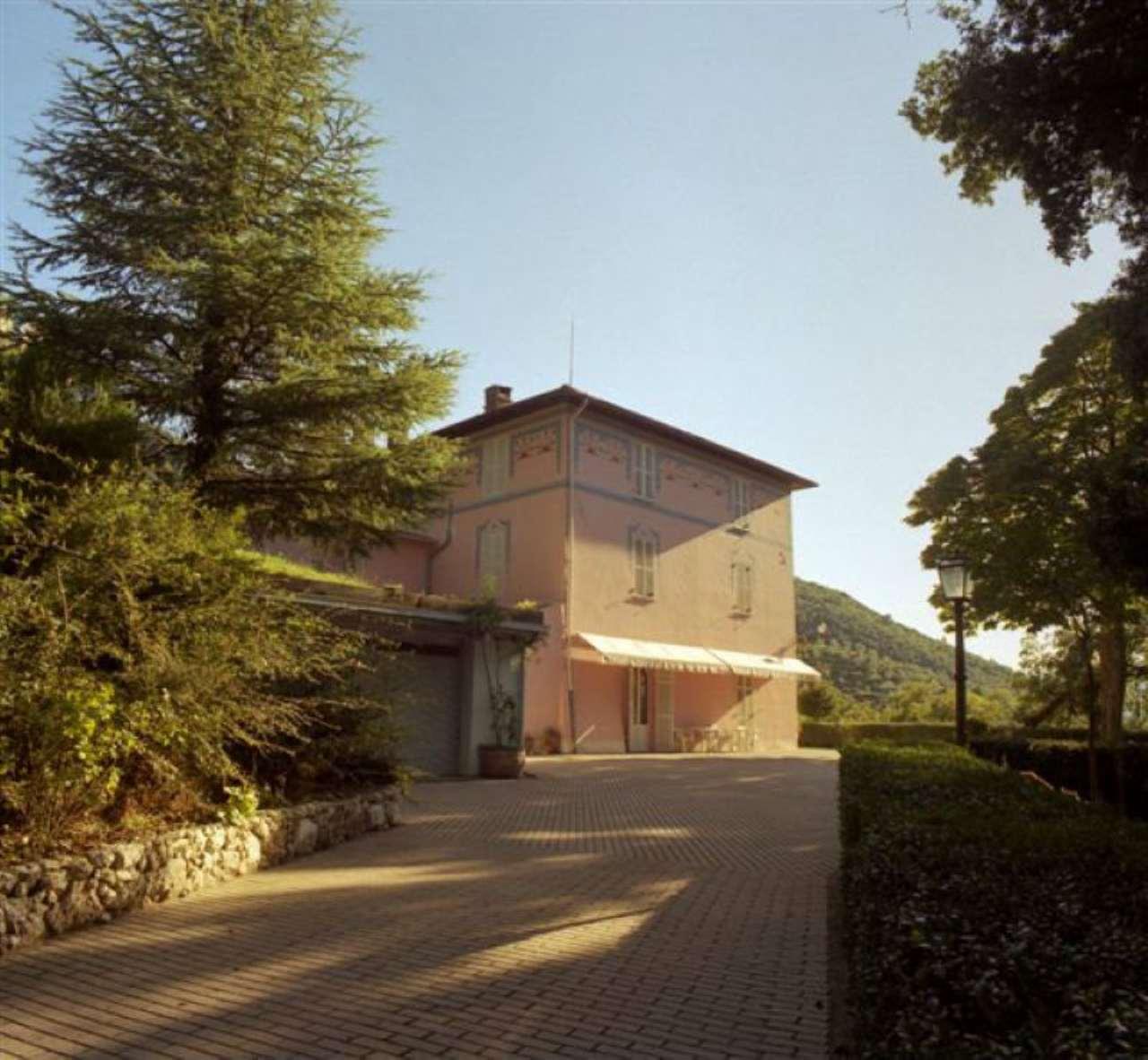 Villa in Vendita a Spoleto Centro: 5 locali, 750 mq
