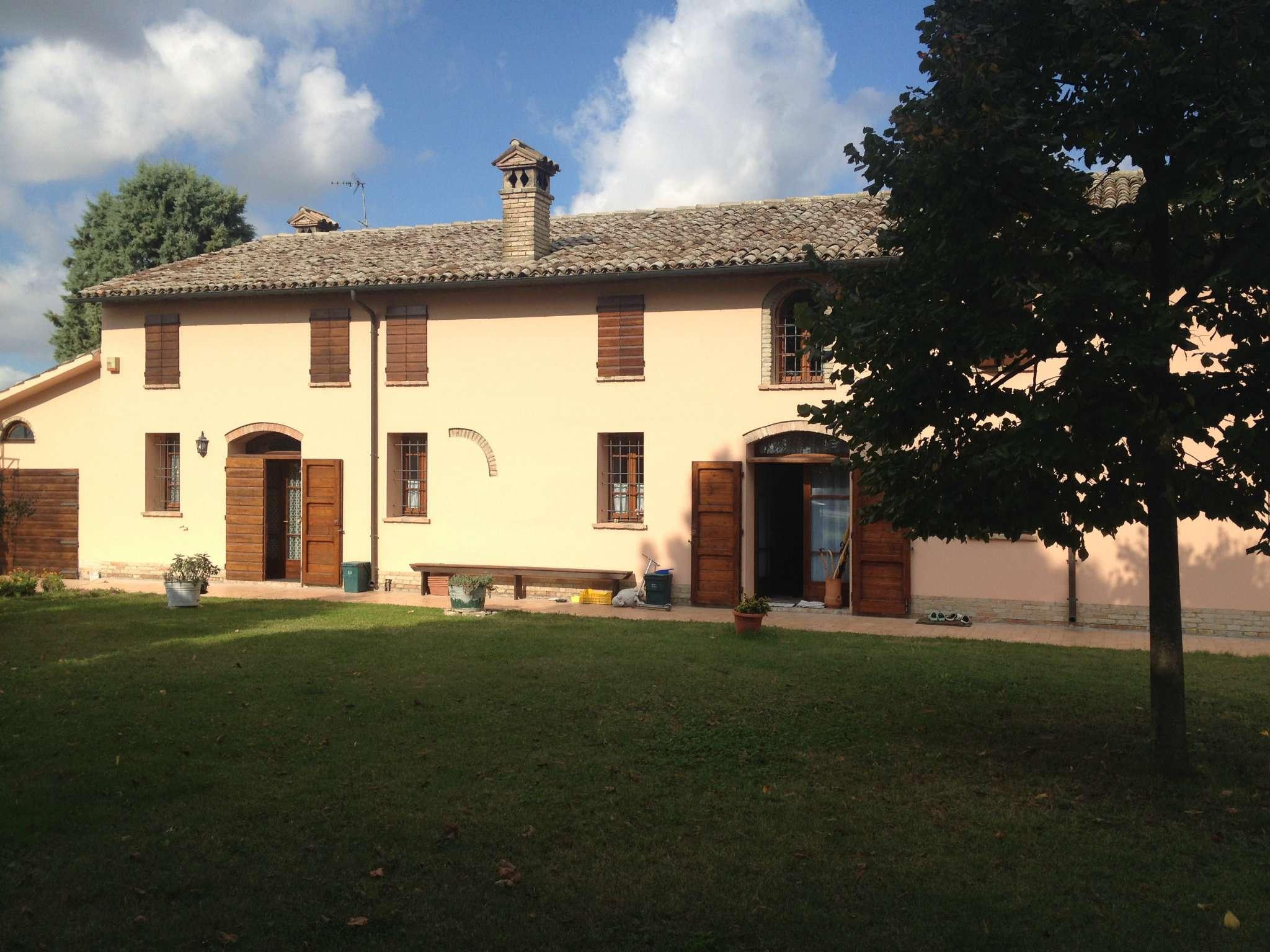 Rustico in Vendita a Ravenna Periferia Sud: 5 locali, 600 mq