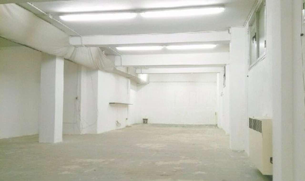 Laboratorio in Vendita a Bologna Semicentro: 4 locali, 210 mq