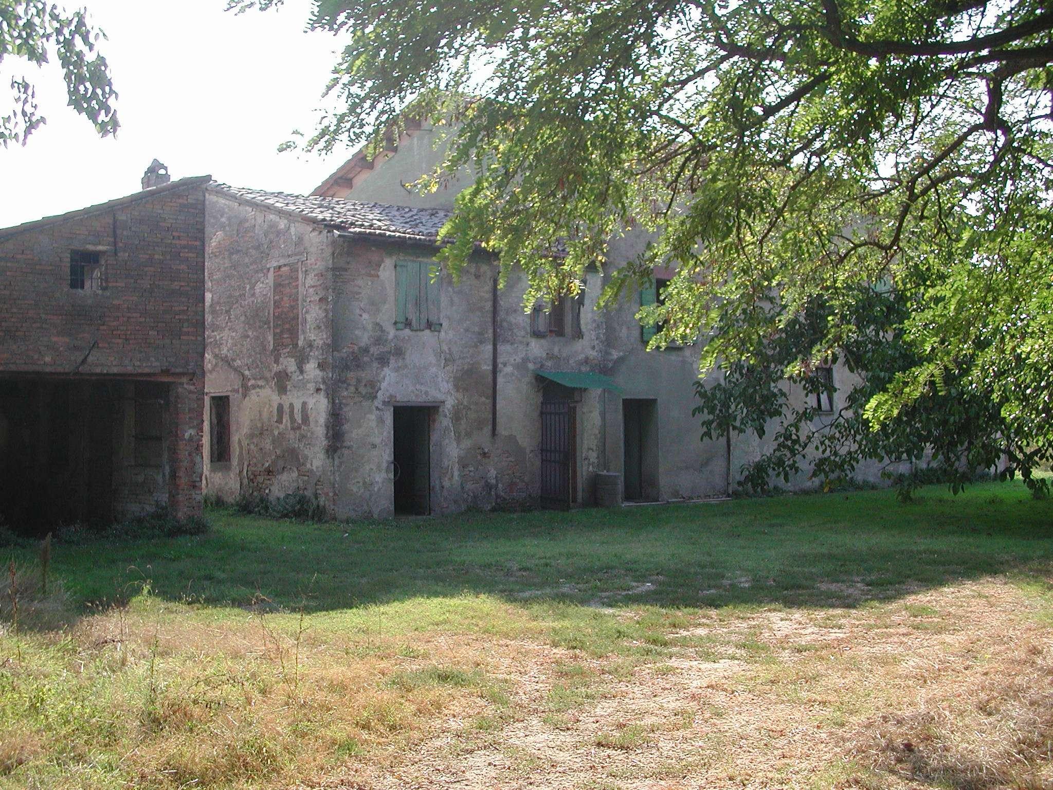 Rustico in Vendita a Ravenna Periferia Ovest: 500 mq