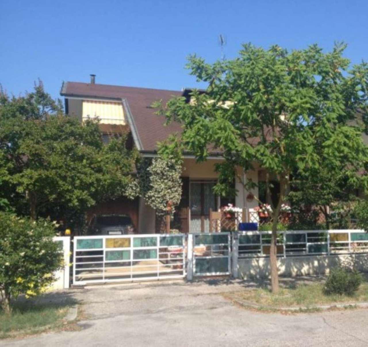Villa in vendita a Ravenna, 6 locali, prezzo € 465.000 | Cambio Casa.it