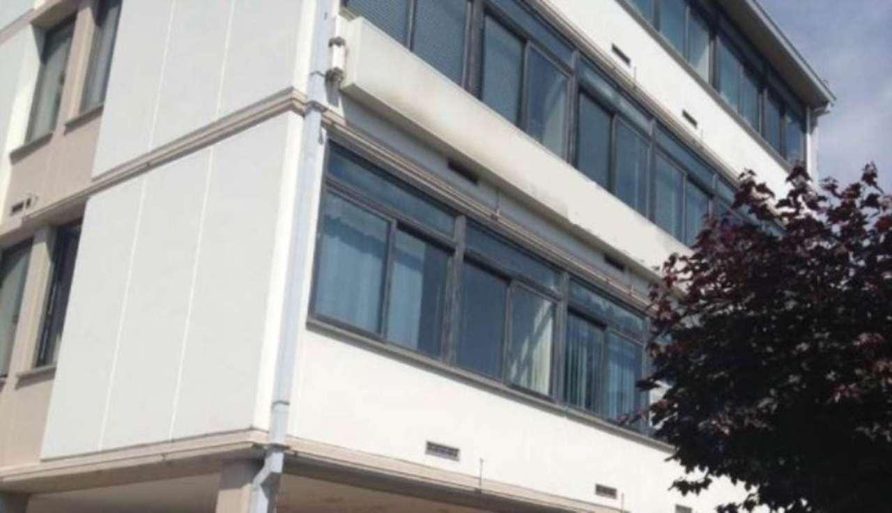 Ufficio studio in affitto a ravenna via di roma for Locali uso ufficio in affitto a roma