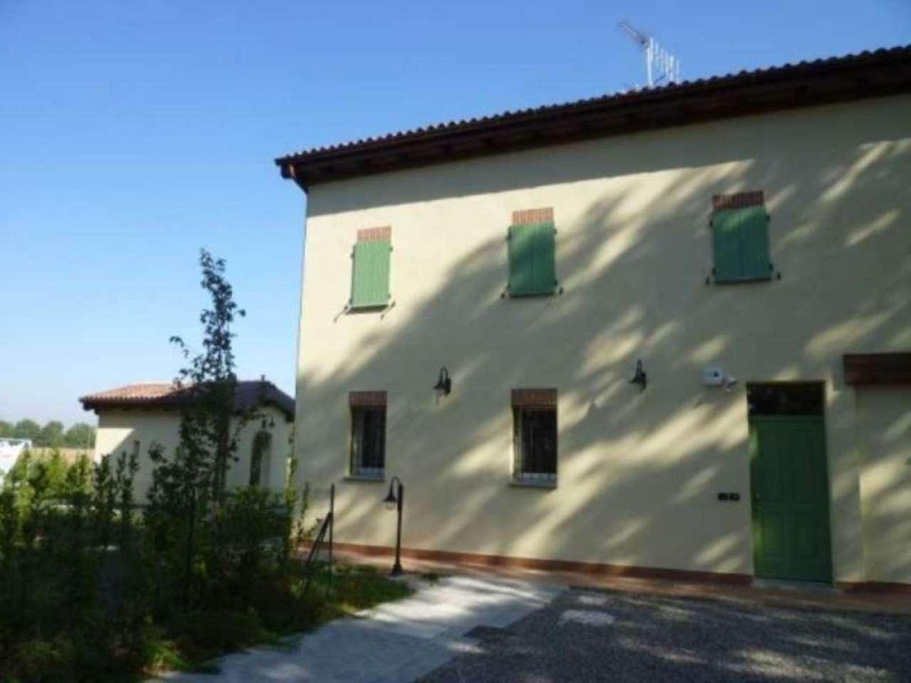 Villa in Vendita a Bologna Periferia: 5 locali, 261 mq