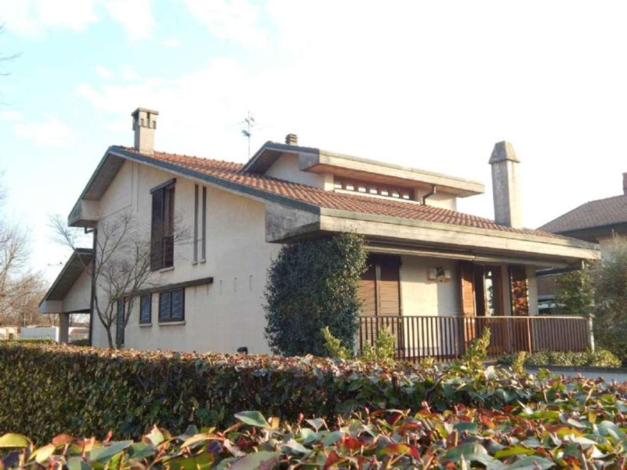 Villa in vendita a Calvenzano, 6 locali, prezzo € 349.000 | Cambio Casa.it