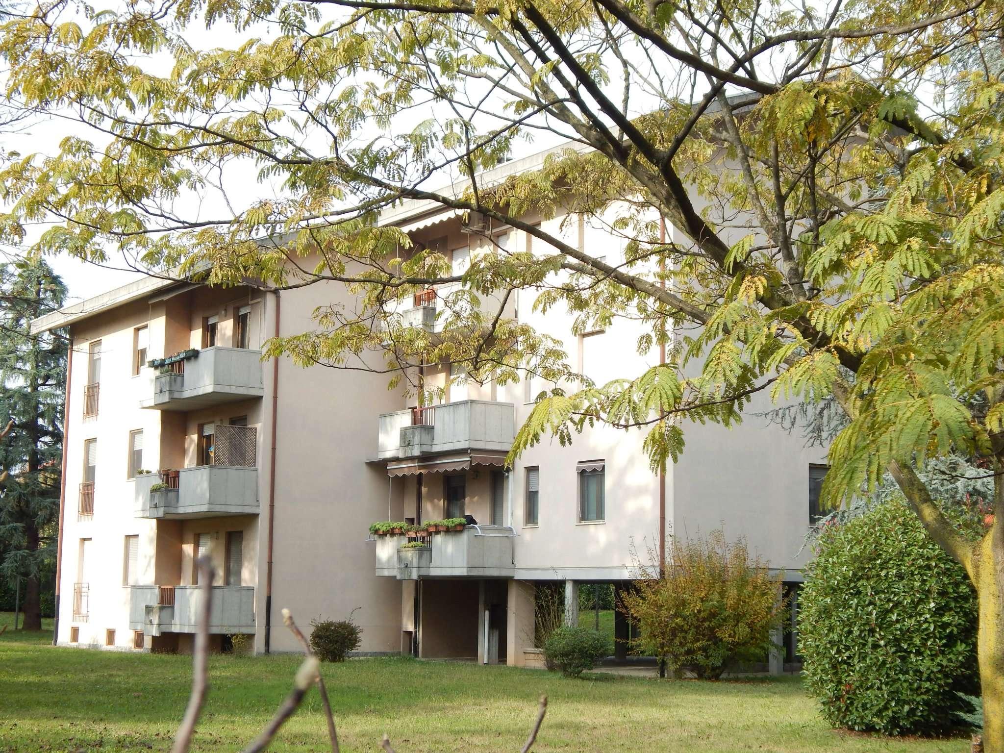 Appartamento in vendita a Treviglio, 4 locali, prezzo € 142.000 | Cambio Casa.it